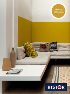 at Sabri: color idea for the living room - Yellow Interior, Interior And Exterior, Interior Design, Half Painted Walls, Living Spaces, Living Room, Corner Sofa, Design Case, Wall Colors