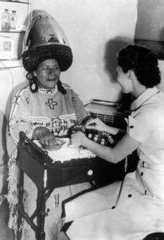 Red Cloud woman in beauty shop :: Western History