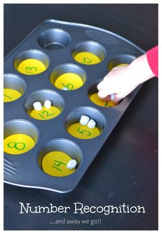 simple number recognition for preschoolers- could also do with smarties or m&m's