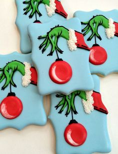 christmas cookies decorated 20 Best Christmas Sugar Cookies Recipes - Easy Ideas for holiday Grinch Cookies, Iced Cookies, Holiday Cookies, Shortbread Cookies, Halloween Cookies, Holiday Desserts, Grinch Cake, Grinch Party, Holiday Recipes