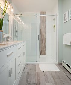 Transitional Bathroom Design in Vancouver