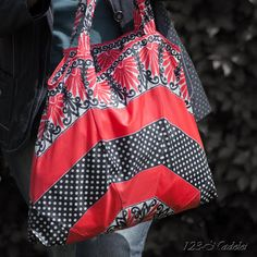 Beutel aus SKM-Knirps (Loch), Umbrella Upcycling Karl Valentin, Recycling, Upcycle, Reusable Tote Bags, Sewing, Shopping Bags, Blog, Fashion, Recycled Crafts
