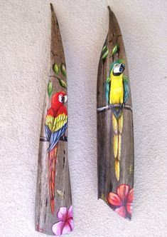 Red McCaw Parrot Painted on Palm Seed Pod Frond Hand Painted Tree Bark Crafts, Palm Tree Crafts, Palm Tree Decorations, Palm Tree Art, Palm Trees, Palm Frond Art, Palm Fronds, Birch Tree Wallpaper, Parrot Painting