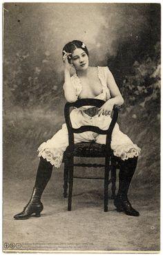 Beautiful Confidence (c.1904). (via Fin de siecle: ginger ninja:postaletrice) © Casas-Rodríguez Collection