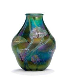 Tiffany Studios, New York, Iridescent Favrile Glass Vase. Tiffany Stained Glass, Stained Glass Lamps, Tiffany Glass, Mosaic Glass, Glass Art, Delft, Tiffany Art, Louis Comfort Tiffany, Carnival Glass