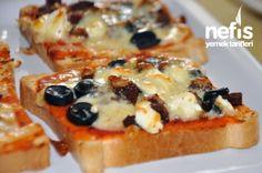 Sucuklu Minik Pizzalar Tarifi Breakfast Items, Breakfast For Dinner, Breakfast Recipes, Turkish Breakfast, Dinner Sandwiches, Food Porn, Turkish Recipes, Mediterranean Recipes, Dessert