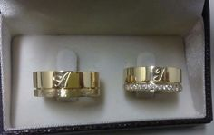 Argollas de Matrimonio / NHG Couple Rings Gold, Engagement Rings Couple, Diamond Engagement Rings, Cool Wedding Rings, Wedding Ring Bands, Gold Rings Jewelry, Men's Jewellery, Designer Jewellery, Diamond Jewellery
