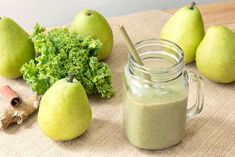 13 Healthy Smoothies to Start Your Day Off Right Healthy Green Smoothies, Pear Smoothie, Green Smoothie Recipes, Fruit Smoothies, Diabetic Smoothies, Smoothie Cleanse, Juice Cleanse, Pear Varieties, Pear Recipes
