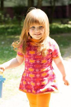 Little Mary von Schnittgeflüster und Leggings Lilly von pattydoo aus dem Lotus beere und dem Uni Orange von Stoffonkel