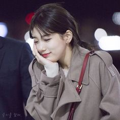 ECS suzy Blackpink Fashion, Korean Fashion, Korean Tv Series, Cute Selfie Ideas, Miss A Suzy, Korean Lessons, Song Hye Kyo, Bae Suzy, K Idol