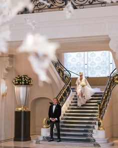 This was one of the most emotionally charged moment of yesterday's wedding when Arnella was stepping down the iconic stairs of The Peninsula for her first look with Randy. Congratulations loverbirds  ❤️ ❤️ ❤️ #parisphotographer #parisengagement #eiffeltower  www.theparisphotographer.com