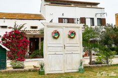 puertas_de_paso_welc_sin_laterales_las_tres_sillas Garage Doors, Outdoor Decor, Home Decor, Wedding Decoration, Chairs, Furniture, Decoration Home, Room Decor, Home Interior Design