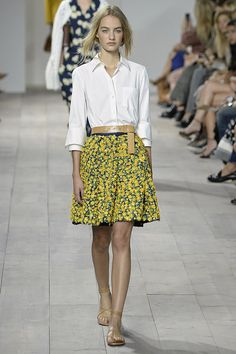 Michael Kors Spring 2015 - This is probably my favorite thus far. So simply chic and clean.