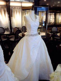 KENNETH POOL 03-8712 Mermaid Wedding, Wedding Dresses, Fashion, Bride Dresses, Moda, Bridal Gowns, Fashion Styles, Wedding Dressses