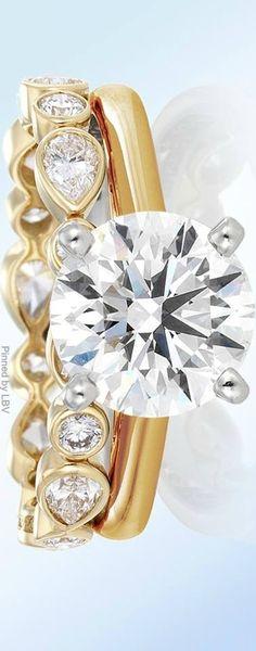 de Beers diamond set