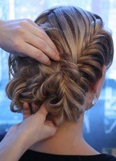 DIY herringbone braid bun Gorgeous (Hair idea for D's wedding? My Hairstyle, Pretty Hairstyles, Wedding Hairstyles, Wedding Updo, Hair Updo, Prom Updo, Quinceanera Hairstyles, Amazing Hairstyles, Coiffure Hair