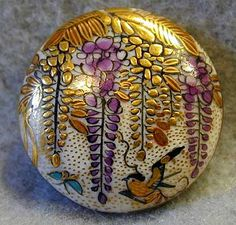 Late 19th-early 20th c. Japanese satsuma button.