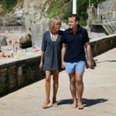 Brigitte et Emmanuel Macron en vacances à la plage#emmanuelmacron #brigittemacron #macron