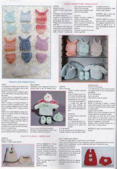 """Algunas ya me habéis felicitado por la publicación de este mes en la revista """"Miniaturas"""",de mi tienda El Arca del Bebé,para las que no la h... Knitting Dolls Clothes, Baby Doll Clothes, Knitted Dolls, Doll Clothes Patterns, Doll Patterns, Knitting Patterns, Kawaii Crochet, Crochet Toys, Doll Display"""