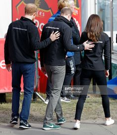 Prince Harry, Prince William, Duke of Cambridge and Catherine, Duchess of Cambridge attend the start of the 2017 Virgin Money London Marathon on April 23, 2017 in London, England. The Heads Together mental heath campaign, spearheaded by The Duke
