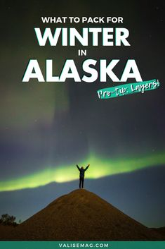 Planning to visit Alaska in winter? Here are the most important things you need to pack for Alaska in the winter! This Alaska winter packing list gives you inspiration for Alaska winter outfits plus tips on the Alaska winter clothes you need to stay warm. Packing For Alaska, Moving To Alaska, Packing List For Travel, Alaska Cruise, Alaska Travel, Travel Usa, Packing Lists, Travel Tips, Winter Travel