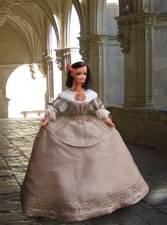 Dona Ramira  - Spanish costume from 17th century for a Barbie-size doll Wendy (repainted, rerooted)