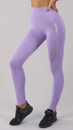 Combining beautiful design with our innovative Seamless technology. The Energy Seamless Leggings feature ribbed detailing woven into luxuriously soft fabric, enhancing your physique whilst supporting your workout. Coming soon in Pastel Lilac.