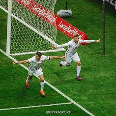 Takich emocji dziś chcemy! ⚽️ Do boju Polsko! ⚡️ #laczynaspilka #football #qualification #worldcup #lewandowski #blaszczykowski #fifa #cyfrasport fot.Radosław Jóźwiak
