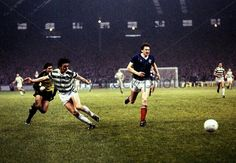 Celtic 3 Rangers 2 in October 1982 at Parkhead. Frank McGarvey scores to make it 2-2 #SPL