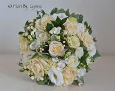 "Flores de la boda Blog: Kirsty ""s boda del oro de la vendimia Flores, Wickham Iglesia"