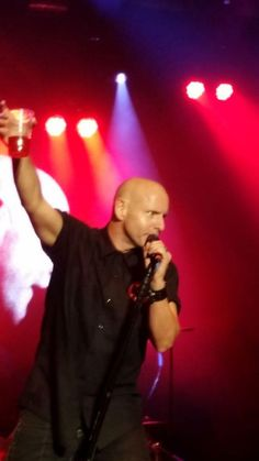 """""""@anvilitis: @realhughdillon & @theheadstones ROCK @LachieMusicFest!!!   pic.twitter.com/OmgbOTaOkf"""" There's the brother-man gettin er done ;)"""