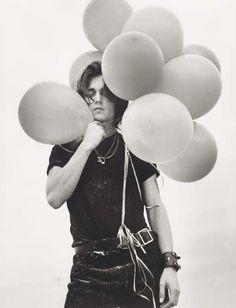 Johnny Depp - dude makes balloons look sexy