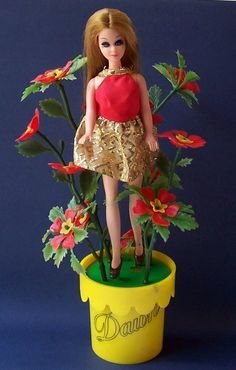 1971 Flower Fantasy Dawn doll in yellow pot; 4 different styles, all hard to find Vintage Barbie, Vintage Dolls, Doll Toys, Barbie Dolls, Dawn Dolls, Valley Of The Dolls, She Girl, Old Dolls, Barbie Friends