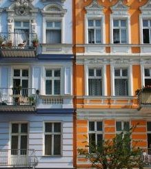 Berlin Family Hotels- Our picks of the best places to stay in Berlin with kids! Choose from holiday apartments and hotels! Berlin With Kids, Holiday Apartments, Family Travel, Cool Kids, The Good Place, Multi Story Building, Hotels, Places, Family Trips