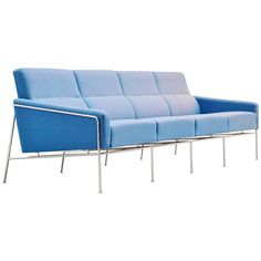 Arne Jacobsen Sofa Model 3300/4 Fritz Hansen, Denmark, 1957 | From a unique collection of antique and modern sofas at https://www.1stdibs.com/furniture/seating/sofas/