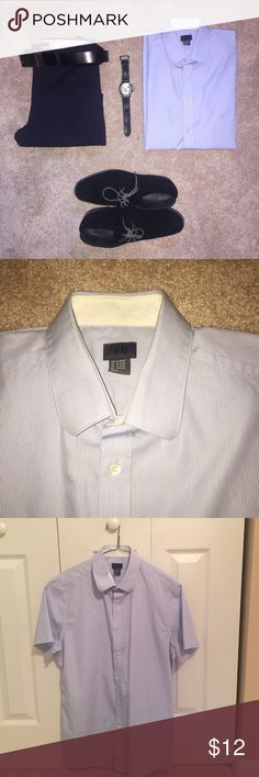 Men's H&M Short Sleeve Dress Shirt Men's H&M Short Sleeve Dress Shirt! This is an amazingly versatile shirt as it can be dressed up formally, or dressed down casually! It has very think white stripes. Very soft and comfortable. Barely worn, in amazing condition. Men's Medium. (100% Cotton). H&M Shirts Dress Shirts
