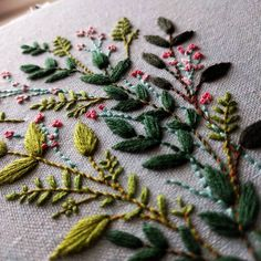 Leaves! Is everyone ready for Christmas? Have a very merry day! ♥️ . . . handembroidery #handmade #bordado #broderie #handmadeUSA #embroideryinstaguild #needlework #craftastherapy #crafttherapy #makersmovement #makersgonnamake #craftposure #dmcthread #contemporaryembroidery #modernmaker #etsyseller #handstitched #fiberartist #etsy #embroideryart #embroideryhoop #embroiderypattern #flowers #botanical #nature