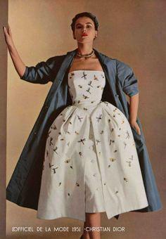 Paris-Spring-fashion--1951---Dior-color
