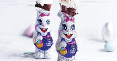 In just five minutes you can have this quick-to-make Easter bunny milkshake in your hand. And it's so delicious that we're certain it'll be gobbled up in half that time! Whipped Strawberry Butter, Milkshake Recipes, Milkshakes, Melting Moments, Baking With Kids, Easter Colors, Easter Chocolate, Easter Celebration, Easter Bunny