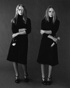 Мэри-Кейт Олсен (Mary-Kate Olsen) и Эшли Олсен (Ashley Olsen) в фотосессии Пегги Сирота (Peggy Sirota) для журнала Vanity Fair (2002), фотография 9