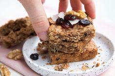 Fitness raňajky s vysokým obsahom bielkovín Krispie Treats, Rice Krispies, Healthy Sweets, Stevia, Banana Bread, Smoothie, Granola, Vegan, Cookies