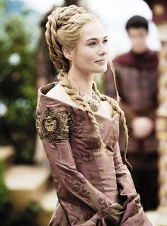 The Hair of Lena Headey as Cersei Lannister in Game of Thrones. Cersei Lannister, Jaime Lannister, Costumes Game Of Thrones, Game Of Thrones Fans, Game Of Thrones Dress, Got Costumes, Movie Costumes, Costumes Pregnant, Amazing Costumes