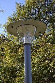 Ecolights KION 2 Der Klassiker mit Bewegungssensorik Die Lampe in Kürze: Lichtpunkthöhe: 3,3 Meter (4,3Meter) Gesamthöhe: 4,2 Meter (5,2 Meter) Material: Aluminium, pulverbeschichtet