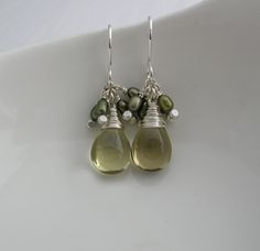 Olive Quartz and Pearl Drop Earrings / Sarah Hickey Jewellery Fall Jewelry, Unique Jewelry, Jewelry Ideas, Vert Olive, Argent Sterling, Pearl Drop Earrings, Autumn Inspiration, Fabric Painting, Jewelry Making