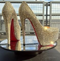 Christian Louboutin OFF! christian louboutin 'daffodile in champagne-coloured strass. Cute Shoes, Me Too Shoes, Crazy Shoes, Sexy Heels, High Heels, Shoes Heels, Platform Stilettos, Stiletto Heels, Christian Louboutin Outlet