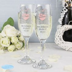 Personalised Classic Pair of Flutes with Gift Box. Each flute can be personalised with up to 2 lines of text. Line 1 can hold up to 5 characters and line 2 can hold up to 15 characters in length. Line 1 is case sensitive and will appear as entered. Personalized Champagne Flutes, Wedding Champagne Flutes, Bear Wedding, Wedding Bride, Bride And Groom Glasses, Personalized Housewarming Gifts, Unique Wedding Gifts, Wedding Ideas, Gift Wedding