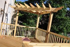 The pergola kits are the easiest and quickest way to build a garden pergola. There are lots of do it yourself pergola kits available to you so that anyone could easily put them together to construct a new structure at their backyard. Diy Pergola, Building A Pergola, Corner Pergola, Wood Pergola, Small Pergola, Pergola Attached To House, Pergola Swing, Deck With Pergola, Outdoor Pergola