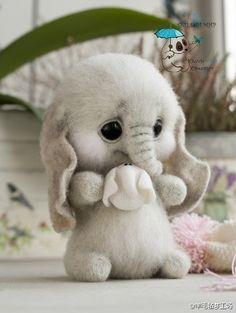 handgemachtes Spielzeug Dolls and handmade toys. Fair Masters Dolls and handmade toys. Cute Animals Images, Cute Wild Animals, Baby Animals Super Cute, Cute Baby Dogs, Baby Animals Pictures, Cute Stuffed Animals, Cute Animal Photos, Cute Animal Drawings, Cute Dogs And Puppies
