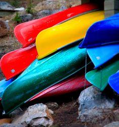 Canoes at Moraine Lake Lodge, Banff National Park, Alberta - ©cookie_banana - www.flickr.com/photos/cookie_banana/4670864550/in/pool-20185971@N00/