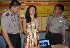 Akibat Ulah Master Photoshop Ini, Artis-Artis Berikut Ditangkap Polisi Indonesia - JalanTikus.com